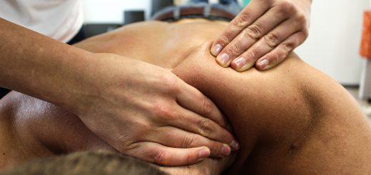 Fizjoterapeuta podczas pracy